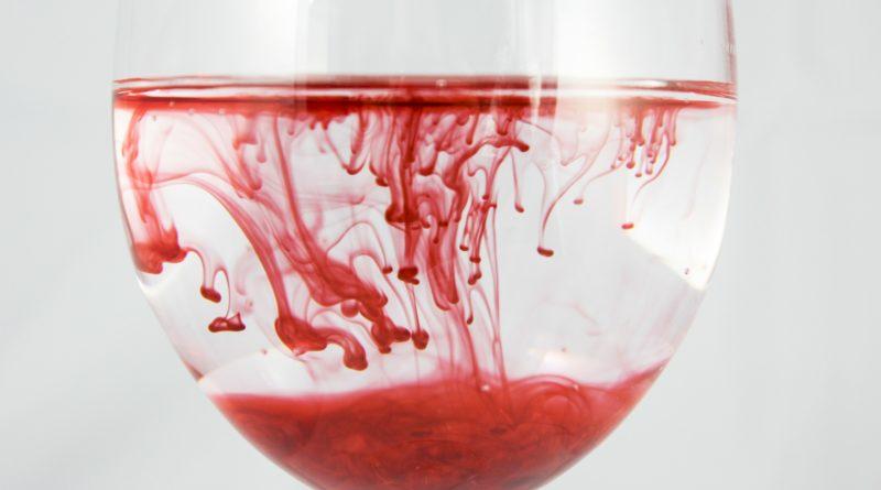 Kubeczek menstruacyjny - zakładanie, wyjmowanie, dobór