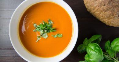 Marchewkowo-ziemniaczana zupa-krem na ostro