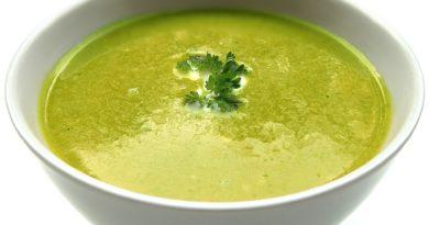Zupa brokułowa z imbirem i czosnkiem