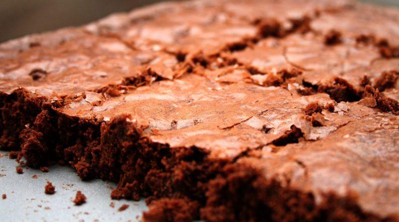 Korzenne ciasto czekoladowe z cynamonem i kardamonem