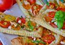 Zapiekanki z ciasta francuskiego z pomidorami