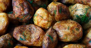 Ziemniaki pieczone w skórkach z przyprawami