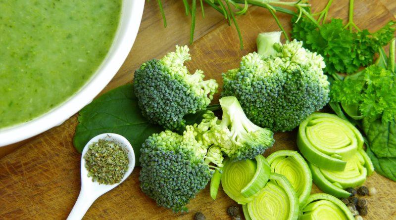 Zupa krem z brokułów i porów na każdą porę roku