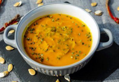 Zupa krem z dyni, marchwi i jabłka