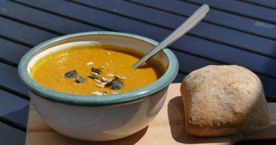 Zupa z czerwonej soczewicy i cieciorki