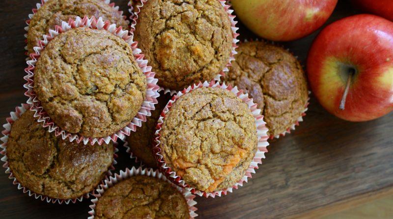 Muffiny jabłkowo-marchwiowe z nutą cynamonu i imbiru