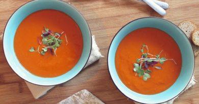 Zupa z papryki i cukinii